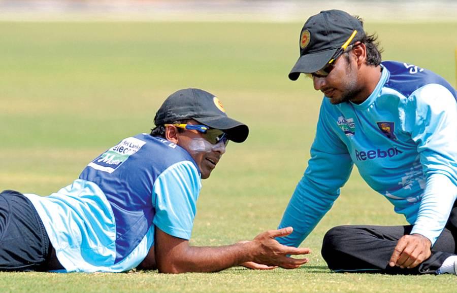 کولمبو، سری لنکن کپتان جے وردھنے اور سنگاکارا تربیتی سیشن کے دوران گفتگو کررہے ہیں
