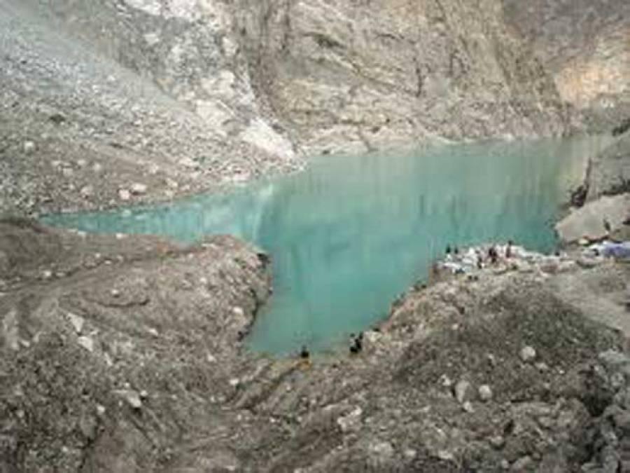 سکردومیں بننے والی مصنوعی جھیل کا پانی اوورفلو ہوناشروع، مکینوں کو محتاط رہنے کی ہدایت