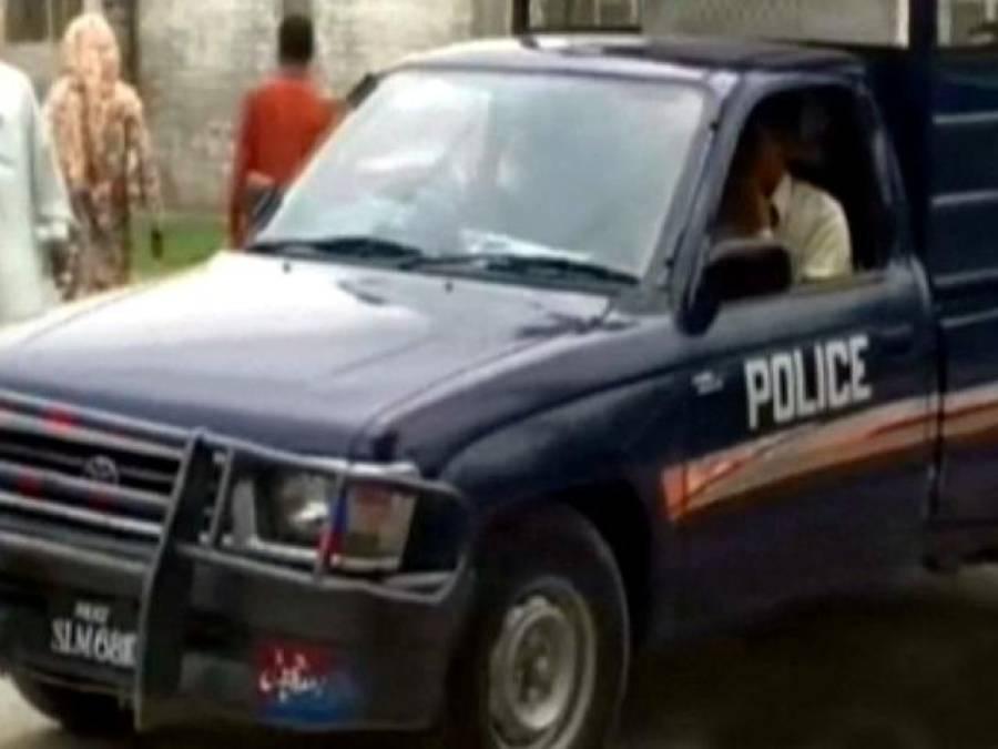 قانون کی حکمرانی۔ ۔ ۔ نشے میں دھت اعلیٰ پولیس افسرکی گاڑی کی تلاشی لینے پر اہلکاروں کیخلاف مقدمہ