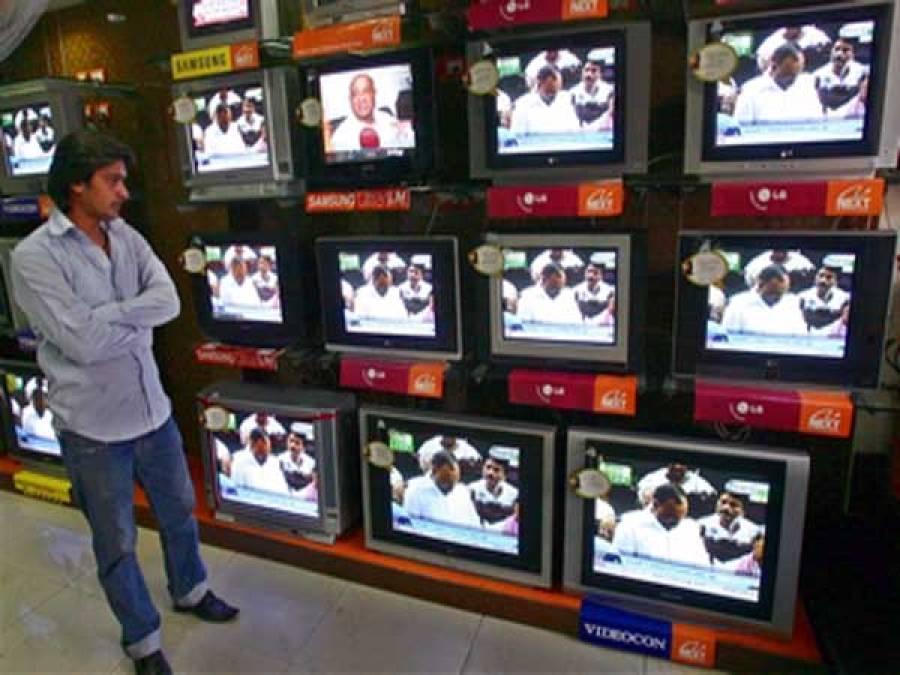 سیاستدان پابند۔ ۔ ۔ الیکشن کمیشن نے میڈیا کو بھی نکیل ڈال دی