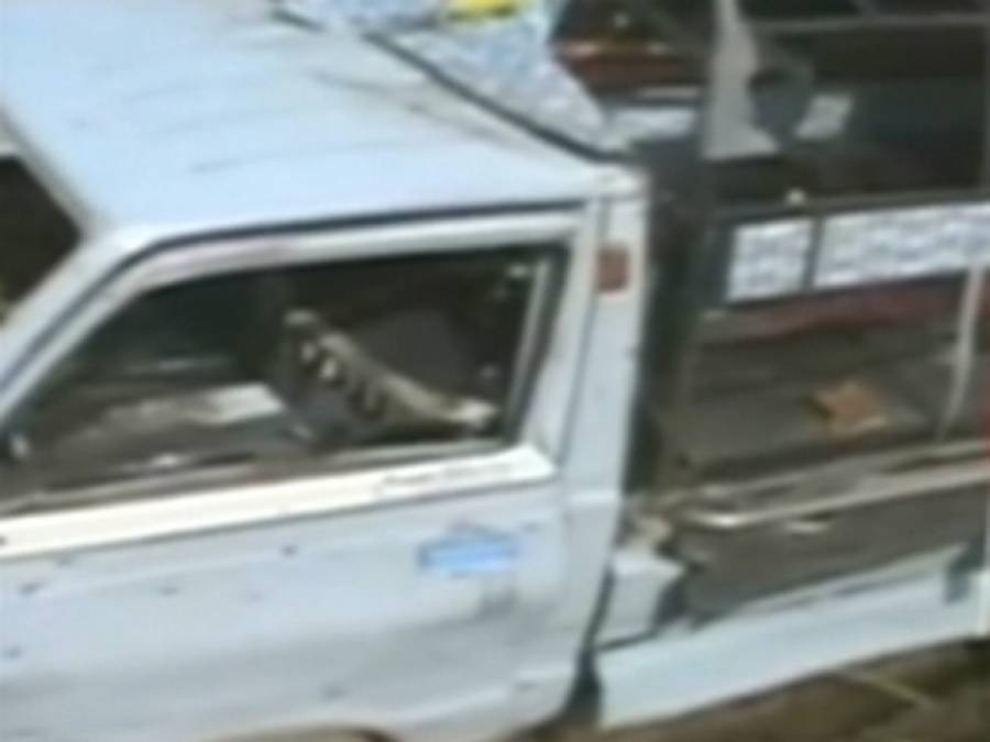 کراچی اور مانسہرہ میں یکے بعد دیگرے پانچ دھماکے ،دستی بم حملہ ، پانچ افرادجاں بحق، پولیس اہلکاروں سمیت 22زخمی