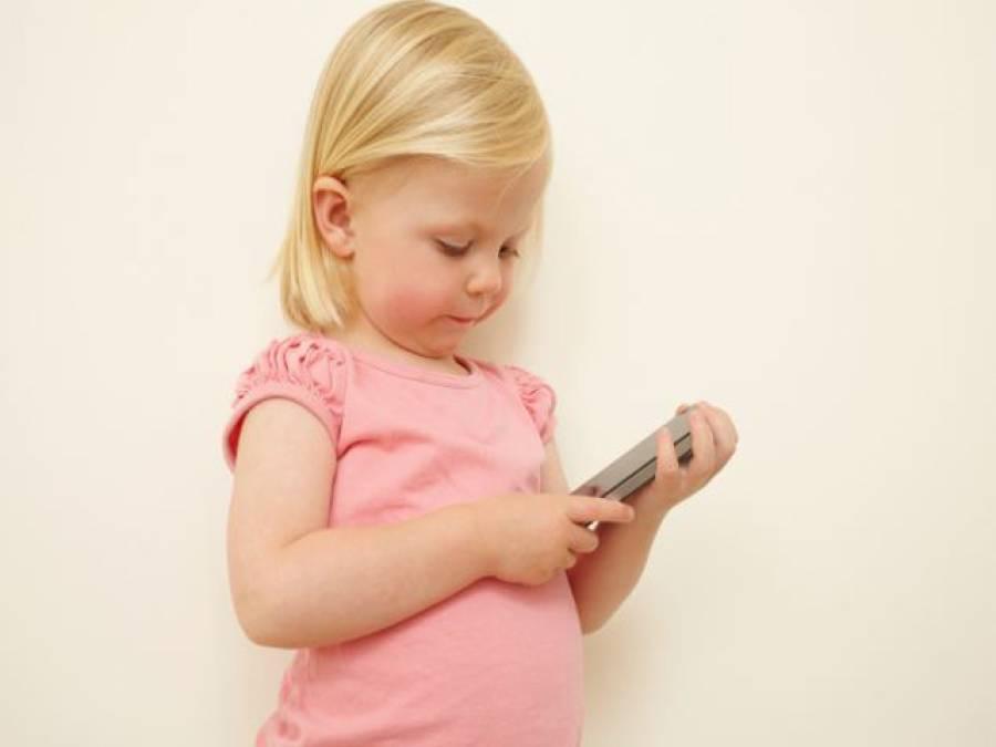 سمارٹ فون بچوں کے لئے انتہائی نقصان دہ