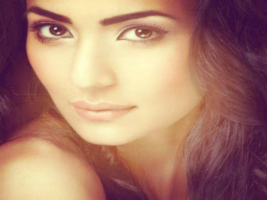 پاکستانی نژاد نارویجن سپرماڈل صنم بخاری نے فلموں میں کام سے معذرت کرلی
