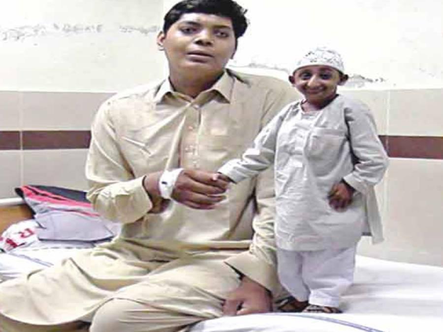 طویل القامت پاکستانی طالبعلم کاآپریشن کامیاب