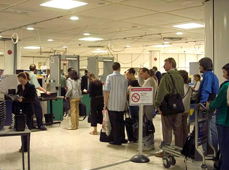 بین الاقوامی ہوائی سفر کی دوران الیکٹرانک آلات چارج رکھیں