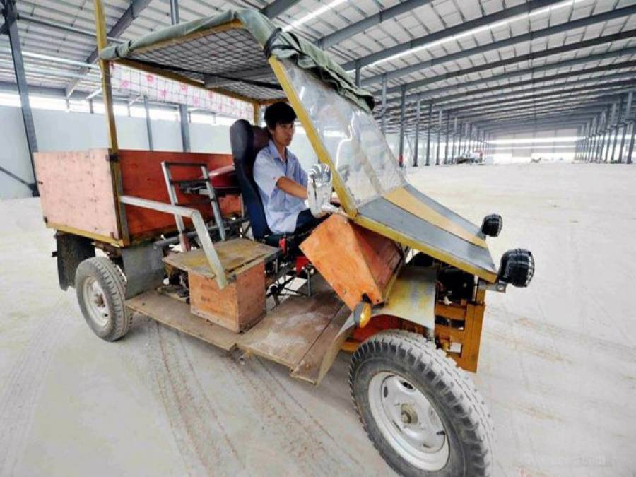محنتی چینی نے نا قابل یقین حد تک سستی گاڑی تیار کر لی