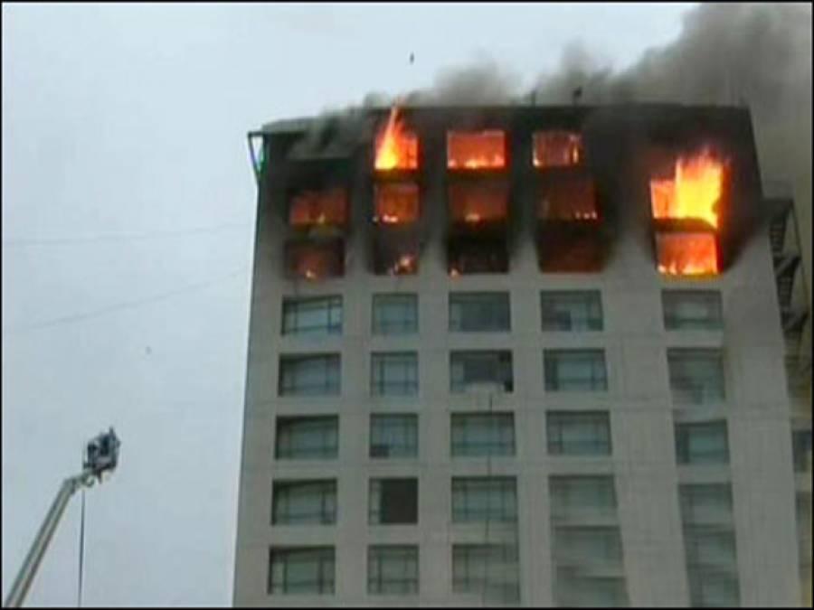کراچی:نجی بینک کے دفتر میں لگنے والی آگ پر قابو پالیا گیا