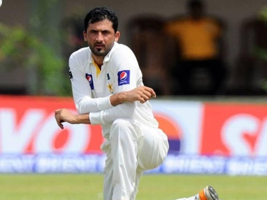 فاسٹ باﺅلر جنید خان سر پر بال لگنے سے زخمی
