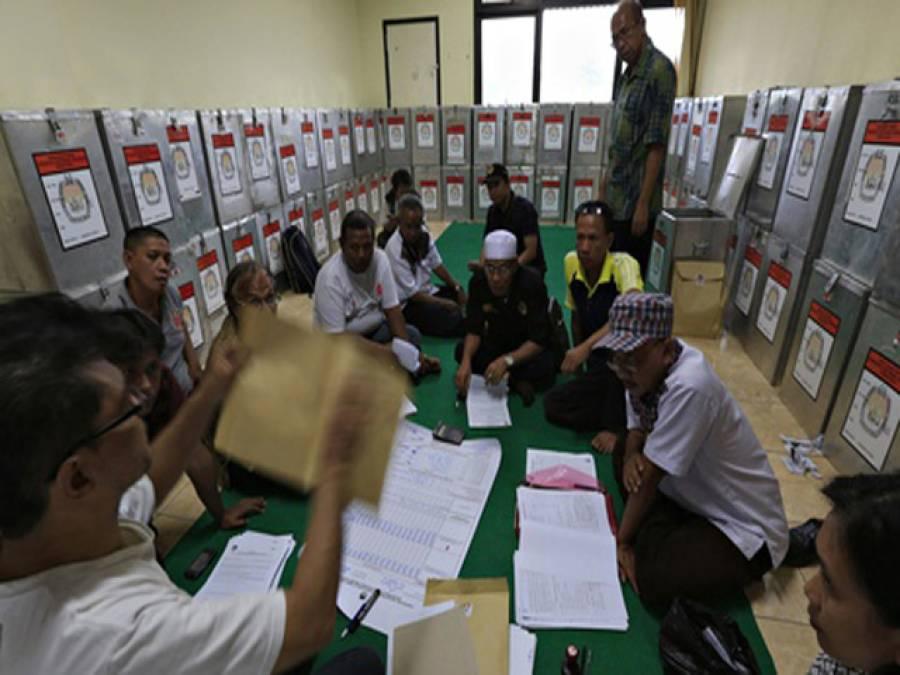 دھاندلی کے الزامات نے انڈونیشیا میں بھی زندگی مفلوج کر دی