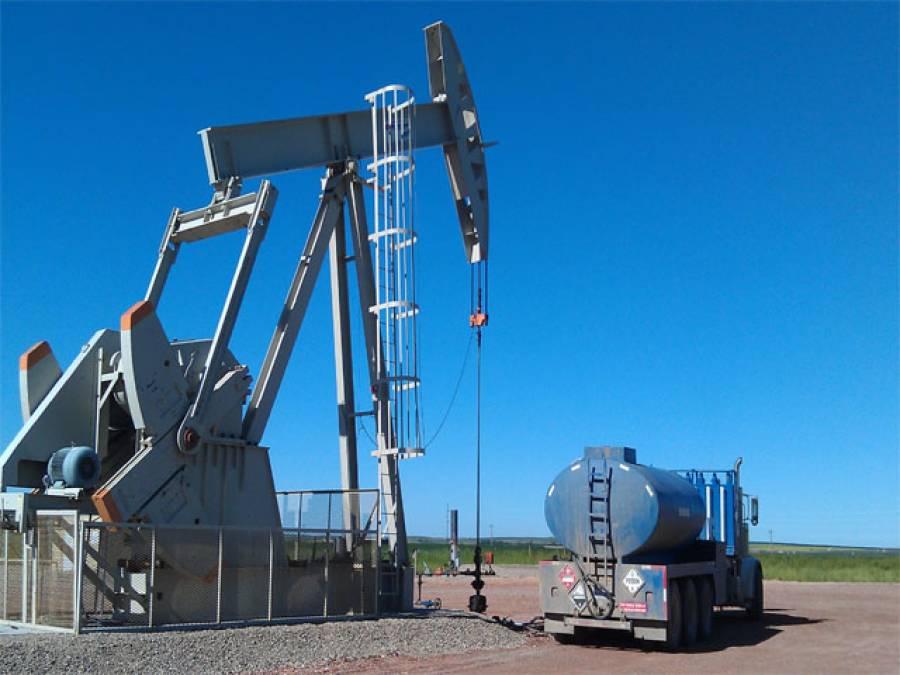 خام تیل قیمت چار سال کی کم ترین سطح پر،پاکستا ن میں بھی پٹرولیم مصنوعات میں کمی کا امکان