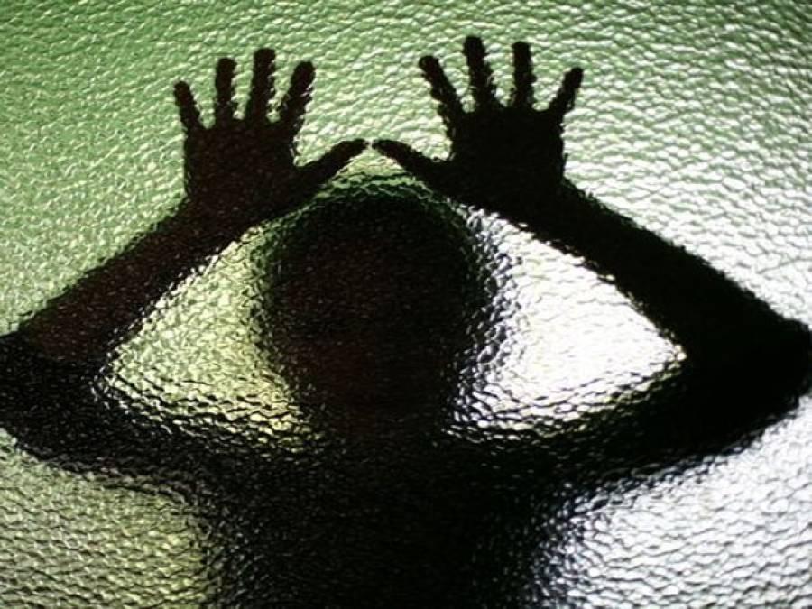 رئیس زادوں کی خاتون ٹیچر سے زیادتی، ویڈیو بھی بنائی، ملزم گرفتار
