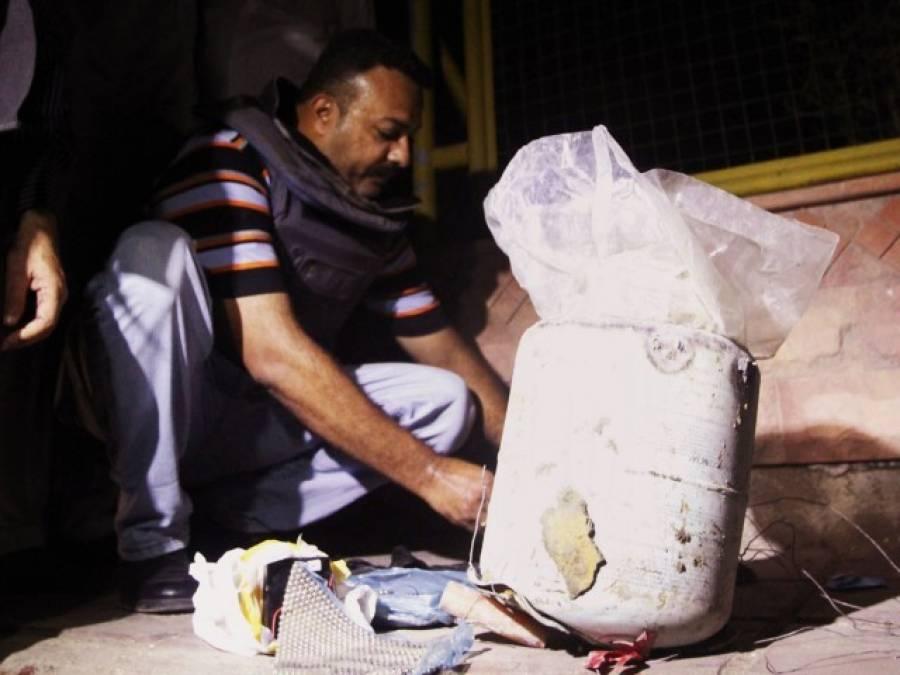 بلدیہ ٹاﺅن کے رکشے سے ملنے والے 100 کلو وزنی 4 بموں کو ناکارہ بنا دیاگیا