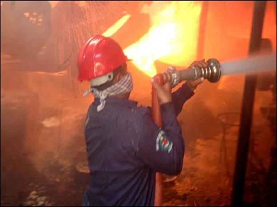آئی آئی چندریگر روڑ پر عمارت میں لگی آگ پر قابو پالیا گیا ،عمارت میں دھواں بھرنے سے کئی لوگوں کی حالت غیر
