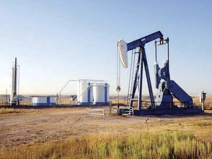 عالمی منڈی میں تیل کی قیمت بڑھنے کے بعد پھر کم ہو گئی