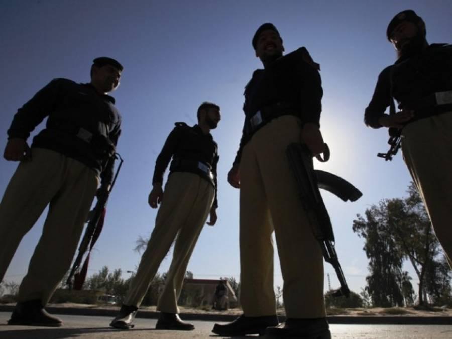 سپر ہائی وے پولیس مقابلہ ،2 دہشتگرد ہلاک,تعلق کالعدم تنظیم سے تھا:ایس ایس پی راو انوار