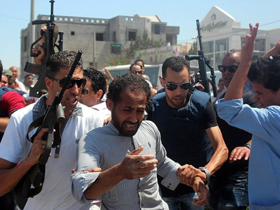 تیونس میں ہوٹل پر حملہ آور دہشت گرد فائر کھولنے سے قبل سیاحوں سے کیا کہتے رہے؟رونگٹے کھڑے کر دینے والی تفصیلات