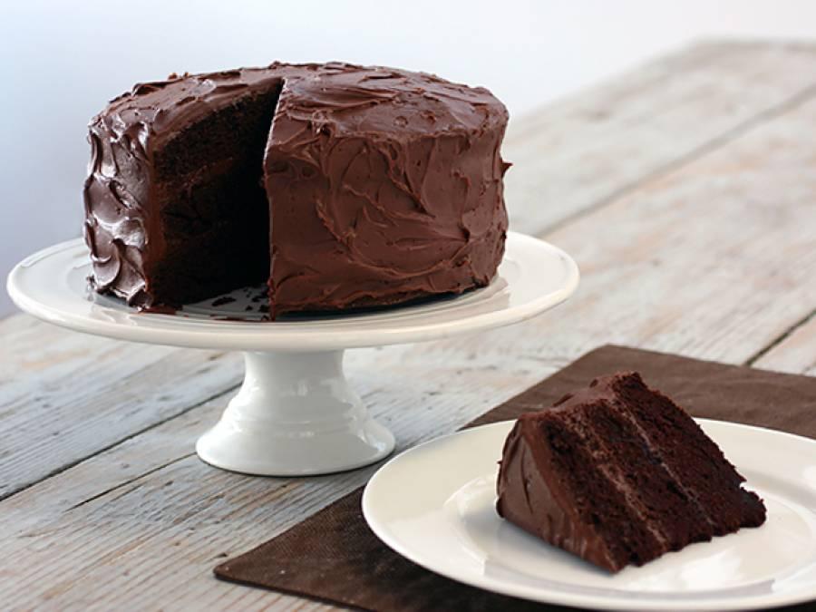آپ آج تک کیک غلط طریقے سے کاٹتے آئے ہیں، سائنسی طریقہ جانئے