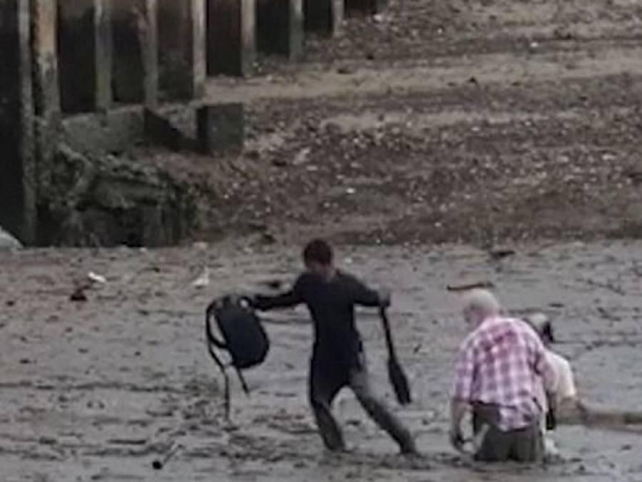 مچھیرے نے اپنی جان پر کھیل کر دو سیاحوں کو دلدل سے زندہ نکال لیا