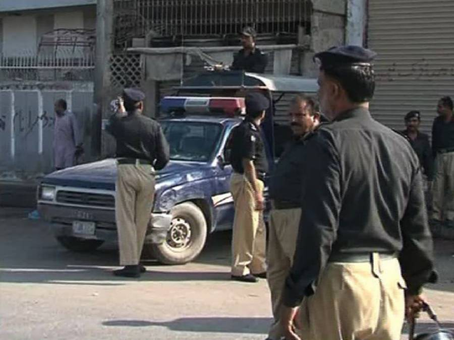 گلگت میں پولیس نے غیر قانونی مقیم 12افغان باشندوں کو گرفتار کر لیا