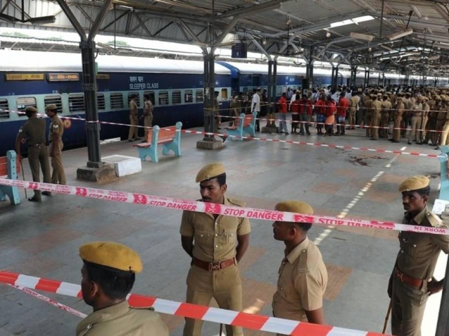 ٹرین کی چھت پر سیلفی بھارتی نوجوان کو مہنگی پڑ گئی ، 25 ہزار وولٹ کا کرنٹ لگنے سے بری طرح جھلس کر ہلاک