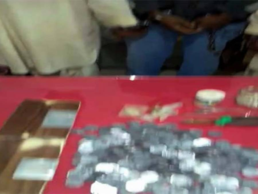 لاہور سے جعلی سکے بنانے والا گینگ گرفتار، پانچ روپے کا سکہ دو روپے میں فروخت کرتے تھے :پولیس