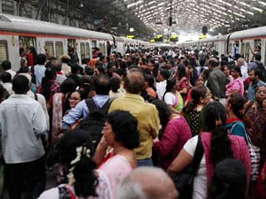 ٹرین پر جنسی ہراسگی کا نشانہ بننے والی خاتون کی عزت سوشل میڈیا نے بچالی، ایسا فائدہ سامنے آگیا جو کسی نے اب تک سوچا بھی نہ تھا