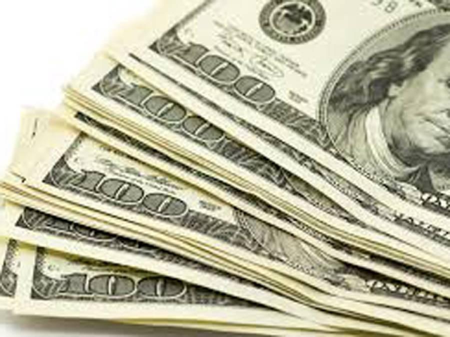 اوپن مارکیٹ میں ڈالر 107.80 روپے سے تجاوز کرگیا