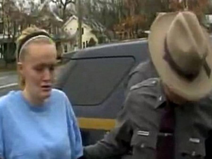 نوجوان امریکی ماں نے نوزائیدہ بچے کو سٹور میں جنم دینے کے بعد کوڑے دان میں دباکر مار دیا