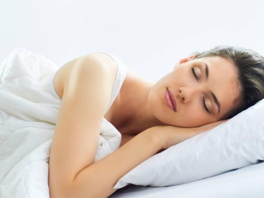 بائیں کروٹ سونے والے افرادکو ڈراﺅنے خواب آتے ہیں، تحقیق
