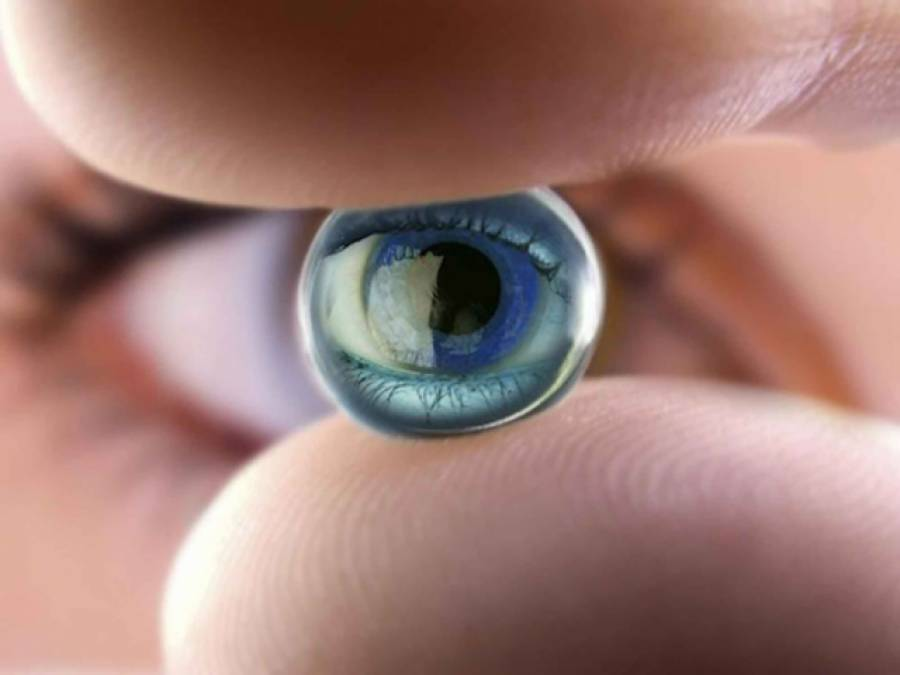 برطانیہ میں پہلی بار ایک خاتون کو 'بایونک آنکھ ' لگا دی گئی