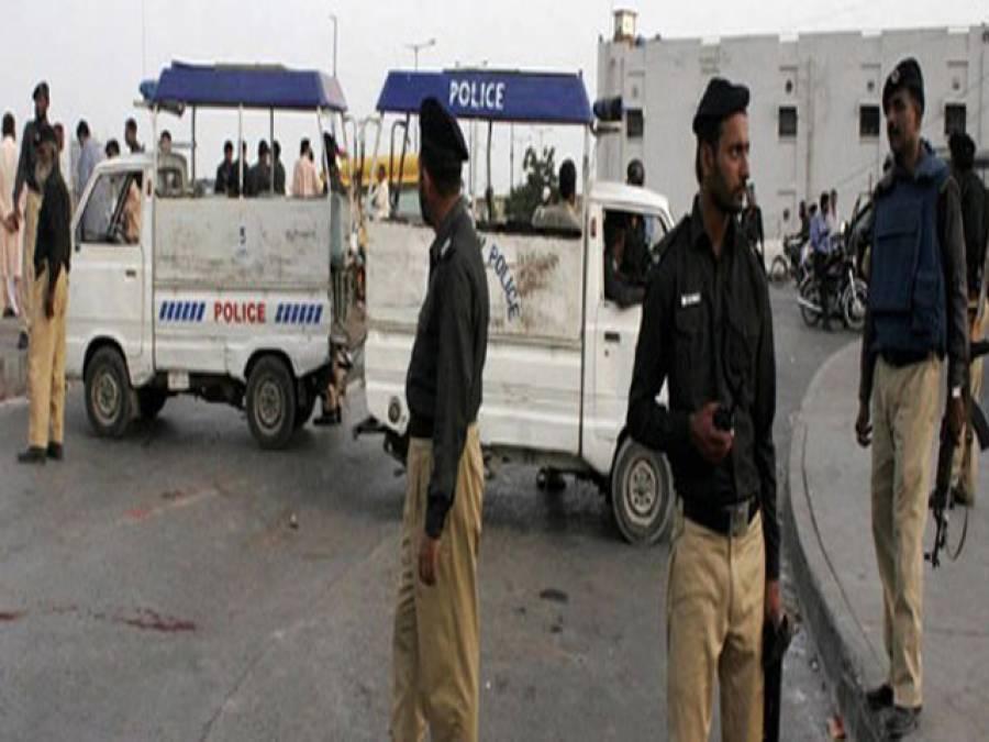 کراچی' پولیس کاکریک ڈاون،4 خواتین سمیت 100 مشتبہ زیر حراست