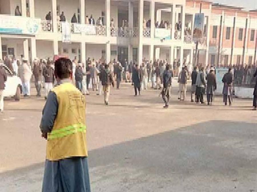 باچا خان یونیورسٹی میں تحقیقاتی کمیٹی کا اجلاس ٗ سیکورٹی گارڈز کے پاس اسلحہ کے حوالے سے معلومات اکٹھی کی گئیں