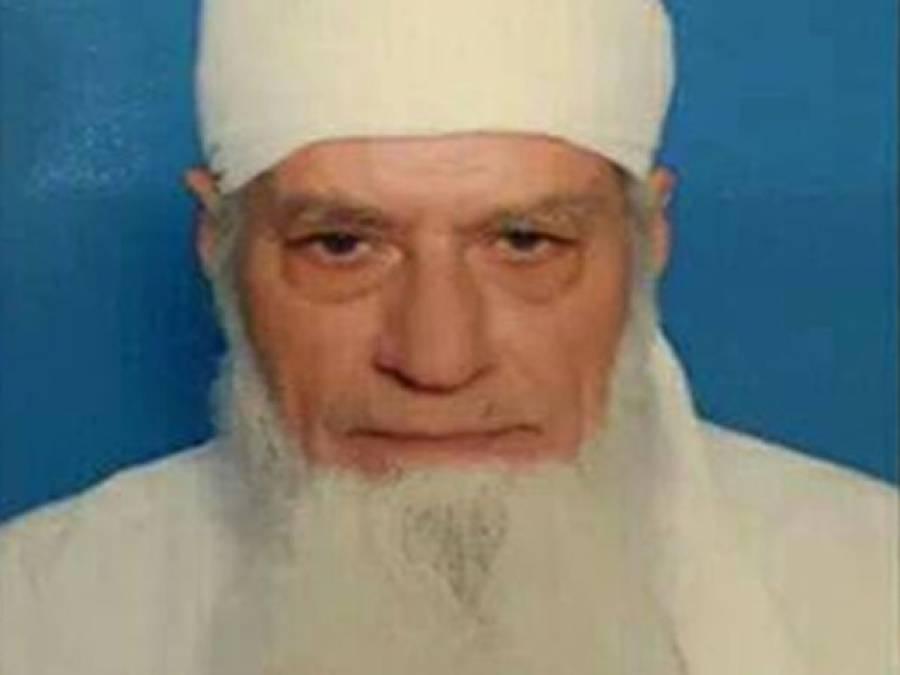 معروف گلوکار اور نعت خواں جنید جمشیدکے والدجمشید اکبر خان انتقال کر گئے
