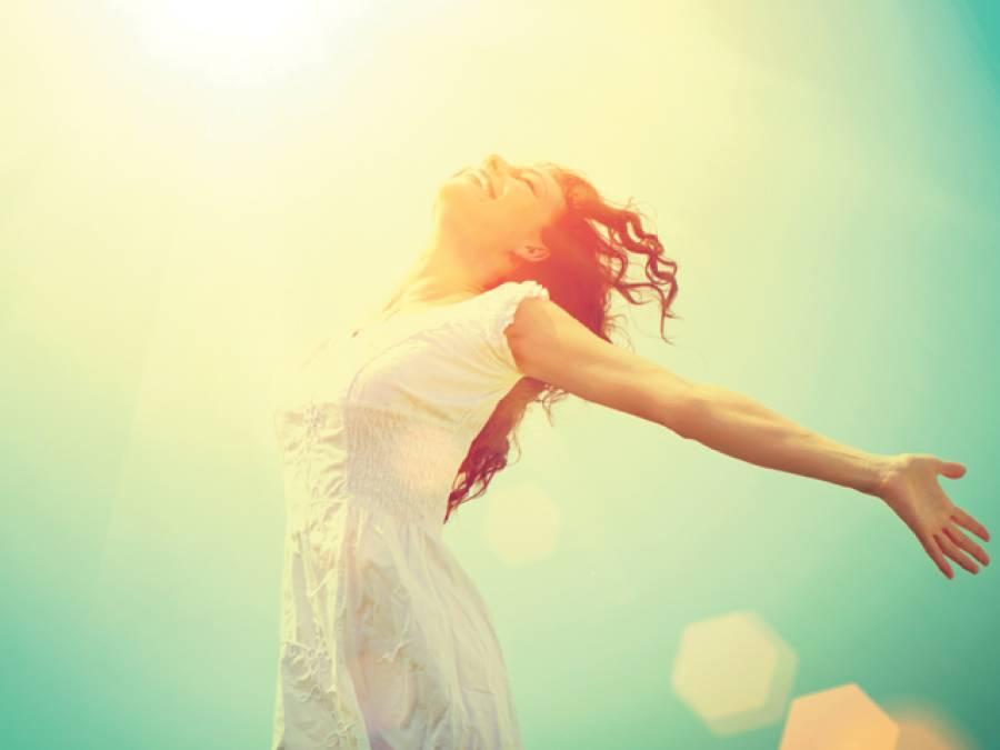 صحت مند جلد اور زندگی کیلئے آپ کو دن میں زیادہ سے زیادہ کتنی دیر سورج کی شعاﺅں میں گزارنا چاہیے؟ماہرین نے جواب دے دیا، خبردار بھی کردیا