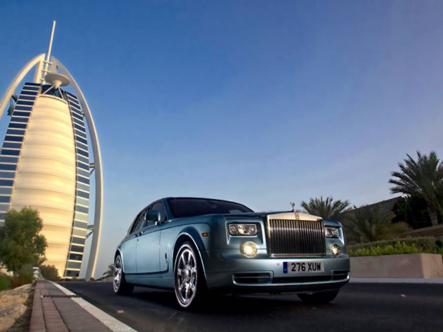 وہ ڈرائیورز جنہیں متحدہ عرب امارات میں گاڑی چلانے پر ہزاروں روپے انعام دیا جائے گا