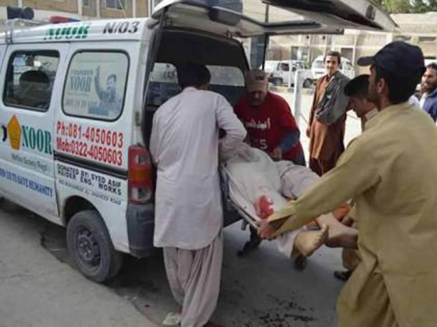 نبیل ٹاﺅن میں مزدور 100 روپے کے عوض کھمبے پر چڑھ گیا ، کرنٹ لگنے سے جاں بحق