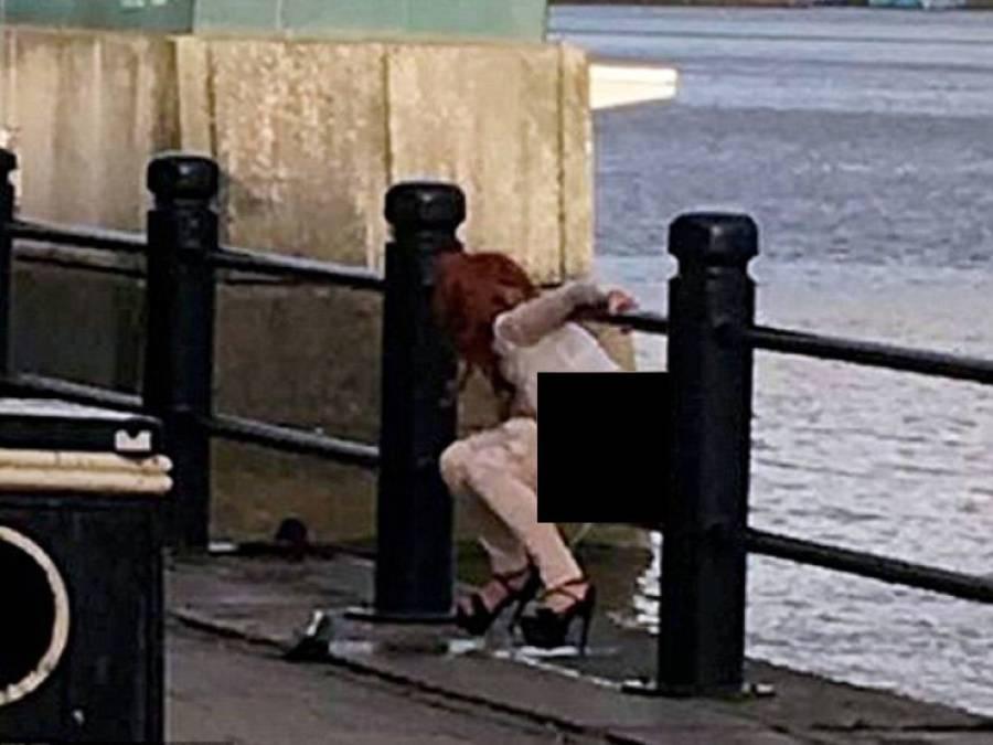 سڑک کے بیچ و بیچ خاتون کی شرمناک حرکت، شہری نے تصویر بنا کر انٹرنیٹ پر ڈال دی، اب ساری عمر پچھتاوا رہے گا