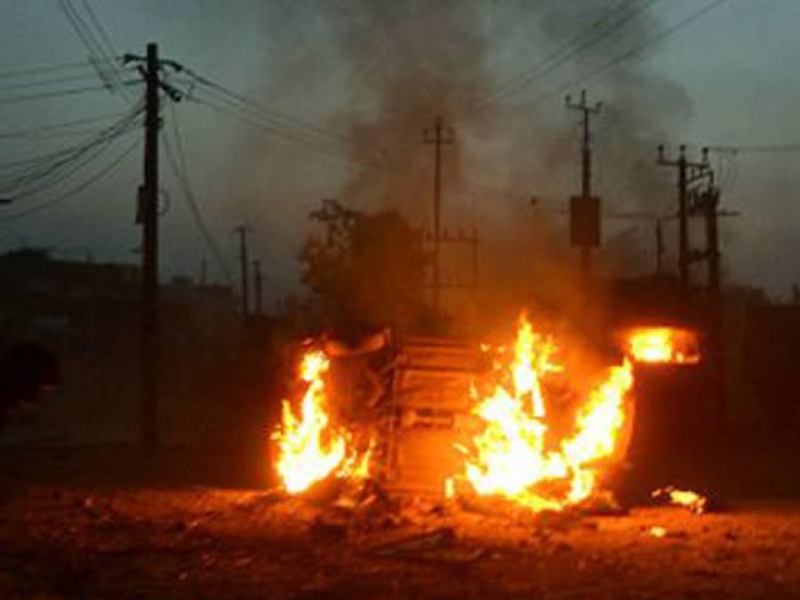 بھارت:ہندومسلم فسادات میں ایک مسلمان جاں بحق، کرفیولگا دیاگیا