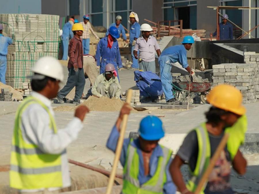 سعودی عرب میں اب کمپنیاں لوگوں کو ملازمت پر کس طرح رکھا کریں گی؟ ایسا فیصلہ جسے جان کر غیر ملکیوں کے پیروں تلے زمین نکل جائے گی