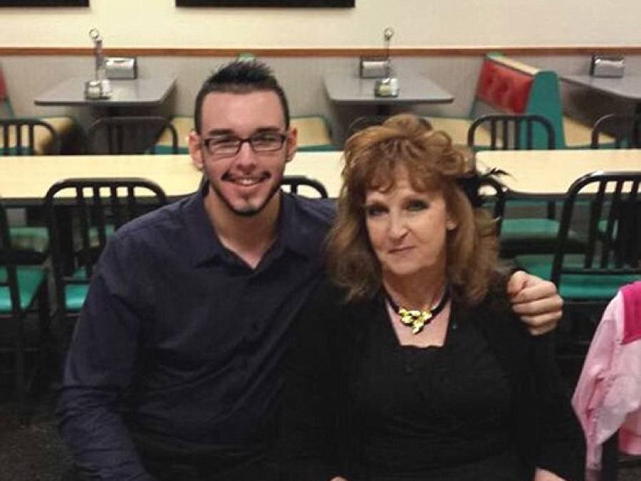 اپنے بیٹے کے جنازے پر 71 سالہ خاتون کی نظر 17سالہ نوجوان پر پڑگئی، پھر کیا ہوا؟ جان کر آپ کا منہ بھی کھلا کا کھلا رہ جائے گا