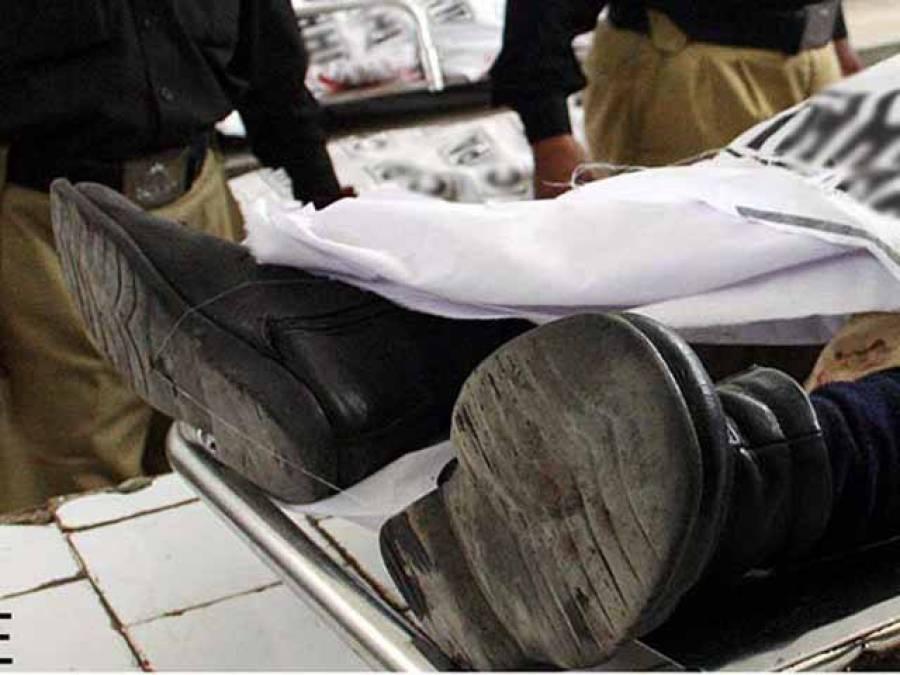 نصیر آباد میں ڈاکوﺅں کی فائرنگ سے2 پولیس اہلکار جاں بحق ،1زخمی ، جوابی فائرنگ میں ڈاکو بھی مارا گیا