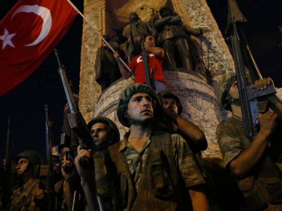 کمانڈرز فوجی مشقوں کا کہہ کر لے گئے تھے،ترک باغی فوجی