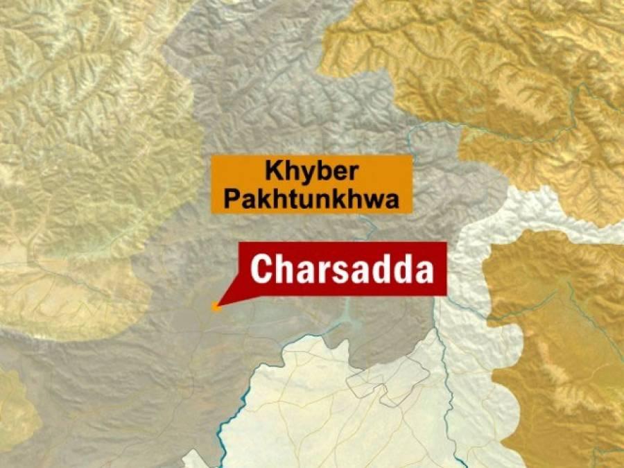 چارسدہ روڈ پرلاری اڈہ کے قریب دھماکہ ، ٹریفک پولیس اہلکار سمیت 3افراد زخمی