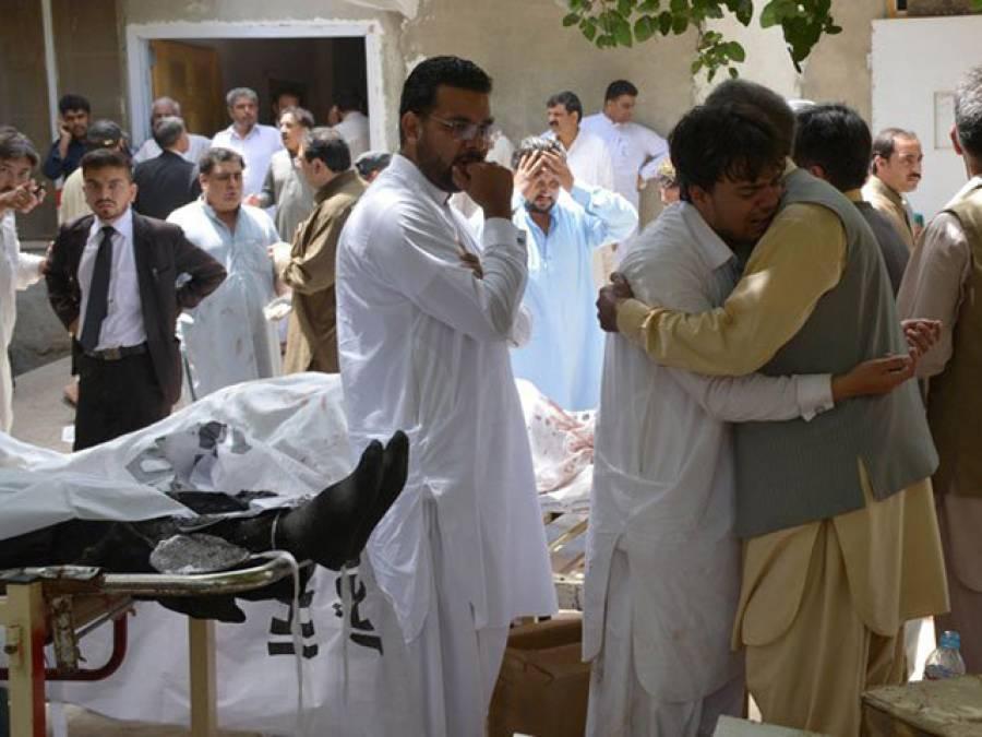 لوگ دھماکے کیوں کرتے ہیں؟ کوئٹہ میں شہید وکیل کی اکلوتی ننھی بیٹی کا سوال