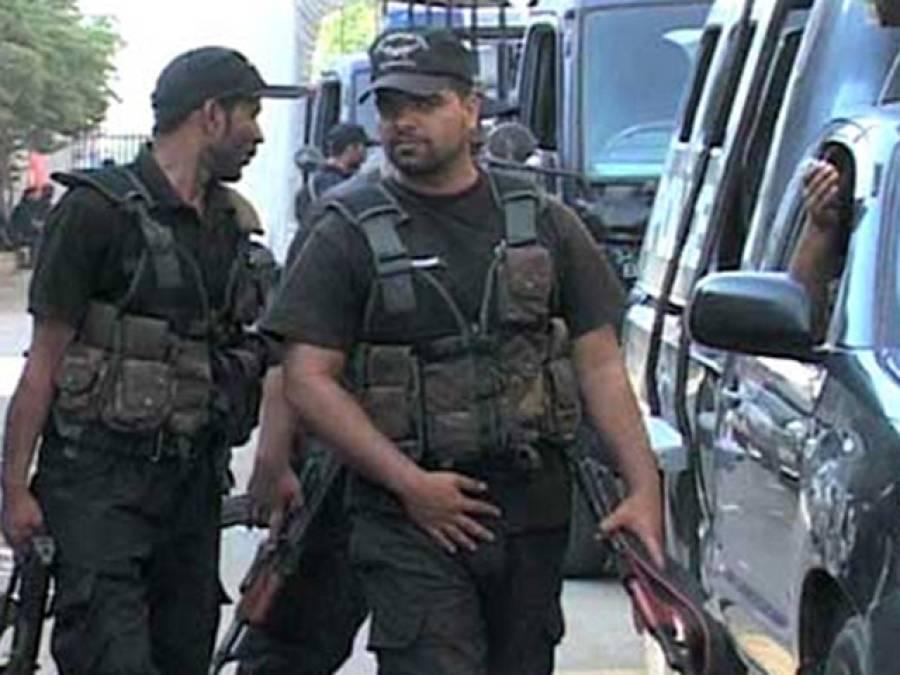 پشاور میں سی ٹی ڈی کی کارروائی : ریڈیو پاکستان کی عمارت کے قریب سے خودکش بمبار گرفتار ، بم برآمد