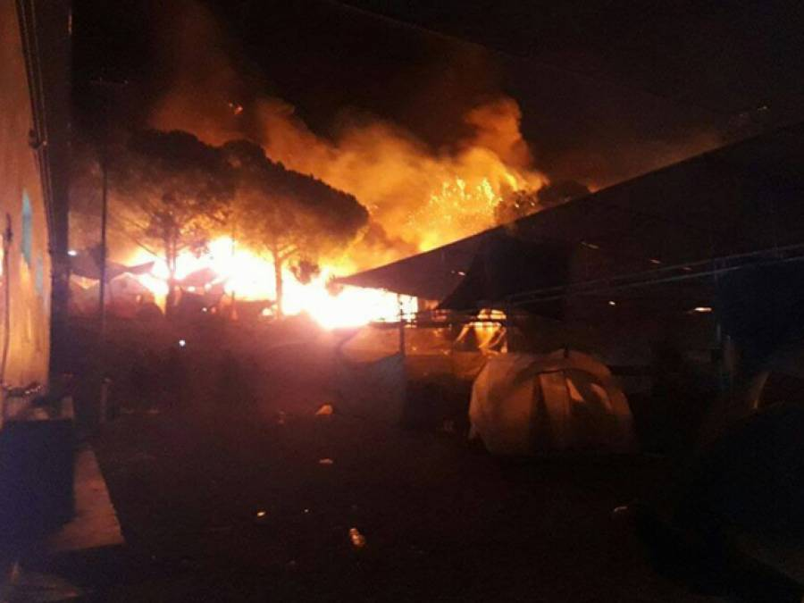 یونان کے پناہ گزین کیمپ میں آگ سے تباہی،30فیصد خیمے جل گئے