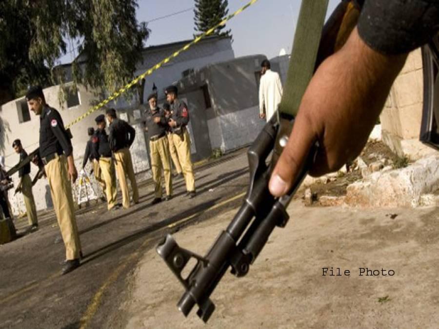 اوکاڑہ: پولیس مقابلے میں 2 ڈاکو ہلاک،پولیس کانسٹیبل شدید زخمی