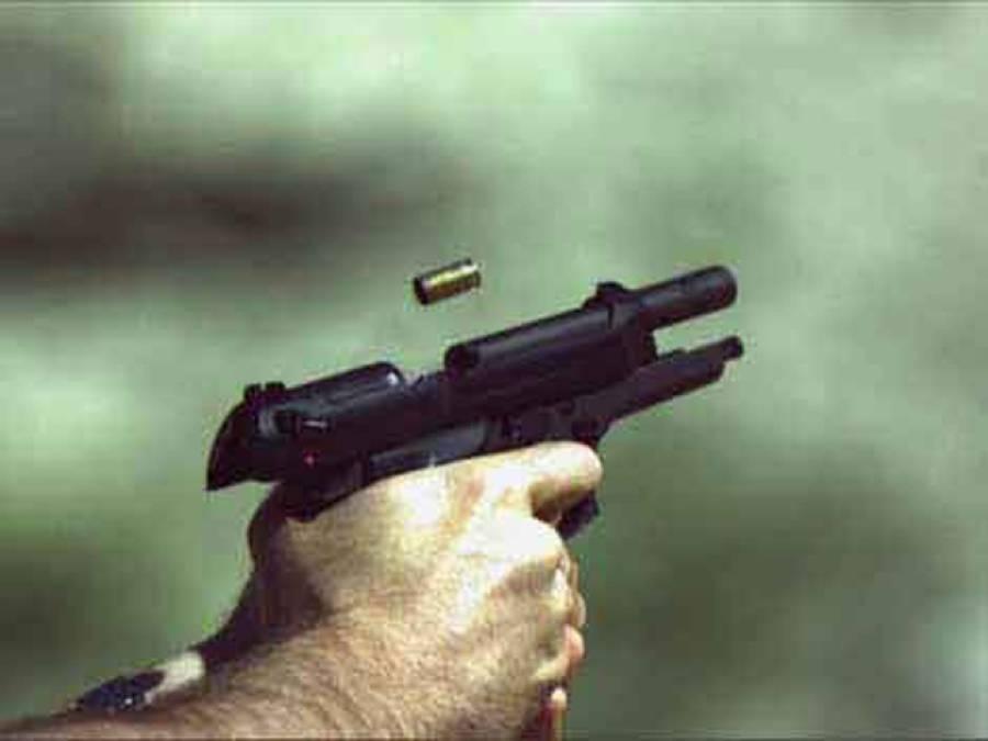 وہاڑی: فائرنگ کے نتیجے میں میاں بیوی زخمی، ڈی ایچ کیو منتقل کر دیا گیا