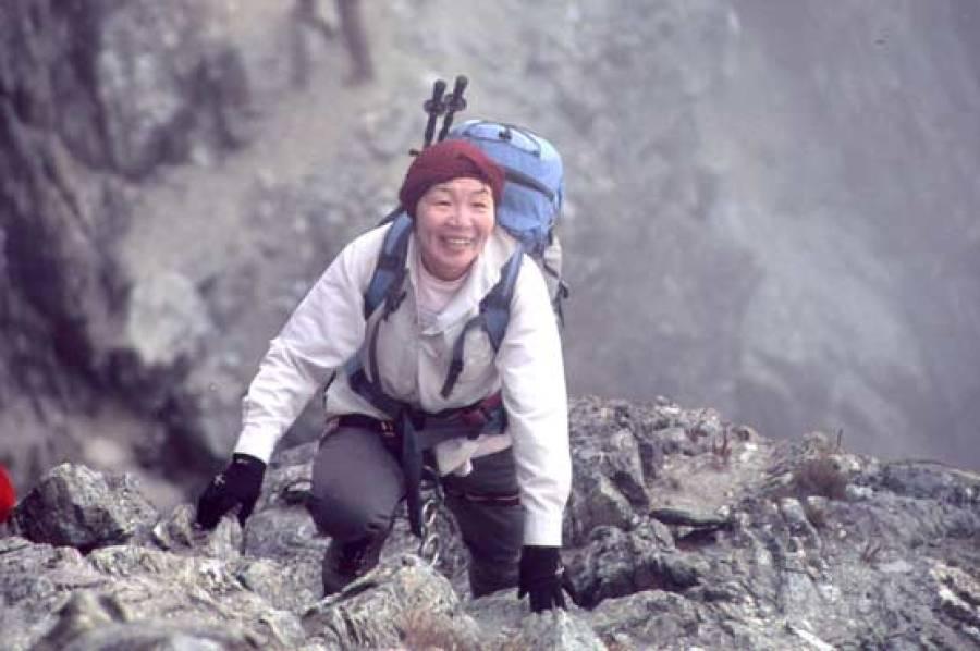 ماونٹ ایورسٹ کو سر کرنے والی دنیا کی پہلی خاتون جنو تابئی انتقال کر گئیں