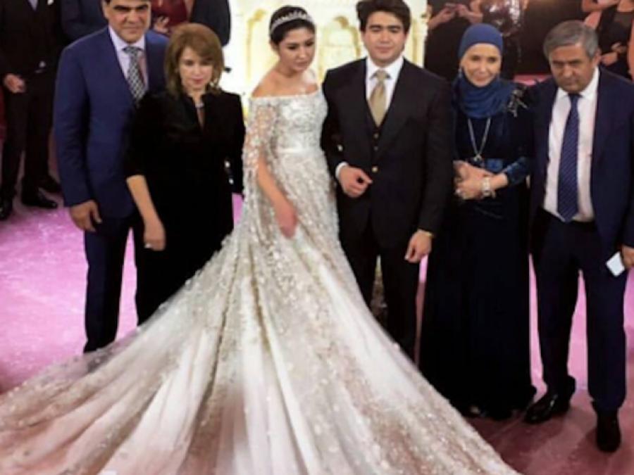 روسی تا جر کی بیٹی نے شا دی پر 40ملین ڈالرز مالیت کا لباس زیب تن کیا